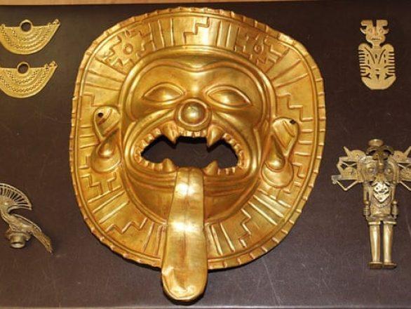 stolen-gold-mask-artifact