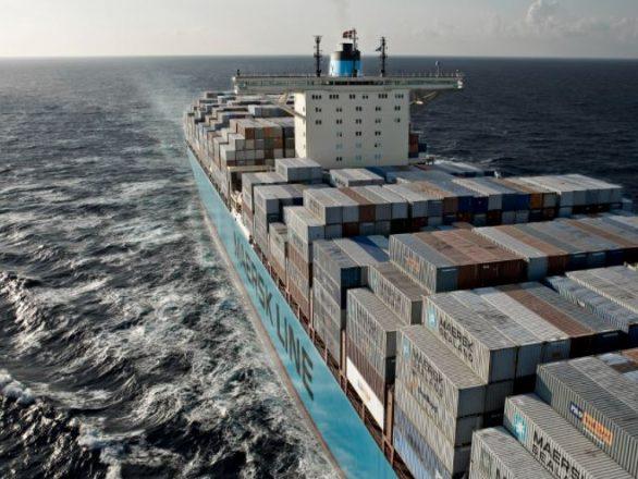 cargo-container-ship-pollution